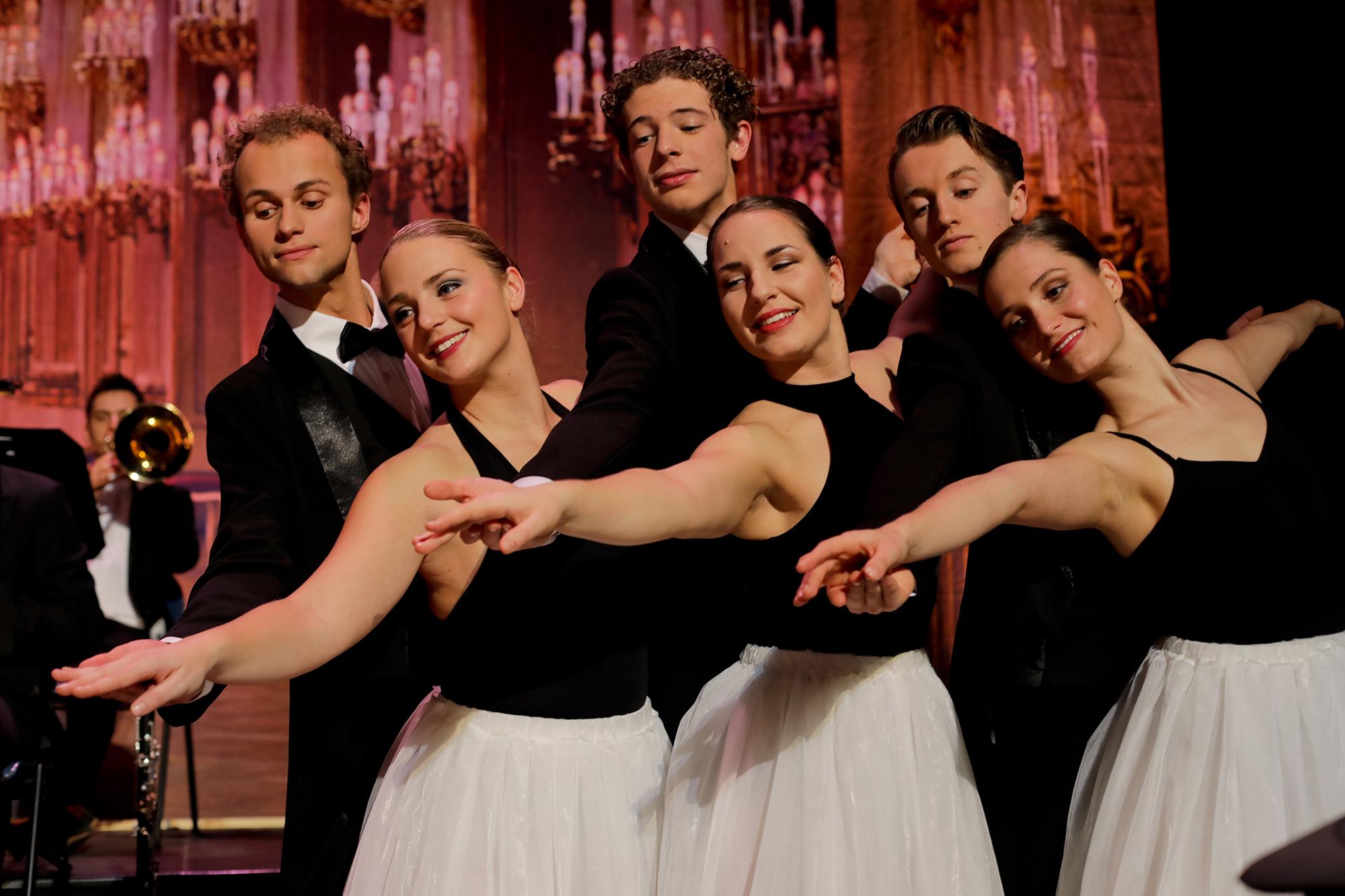 Winter in Wien 2019-2020 - Gregory, Lisa, Alexander, Lotte, Max en Malou